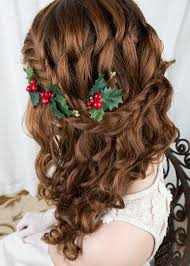 vine leaves and berry hairpiece