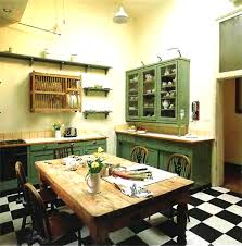 Small Kitchen Dining Ideas Old Fashioned Old Fashioned Country - Old houses interior design