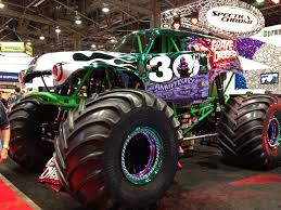 monster truck pictures grave digger grave digger 2 global high performance