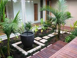 garden amusing simple small backyard landscaping ideas small