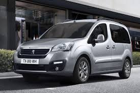 peugeot partner 2015 comparison between citroen berlingo multispace bluehdi 120 xtr and