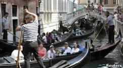 BBC Brasil - Notícias - Crescimento do turismo atenua crise na Europa