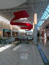 photo of the forever 21 mall entrance on the parkade