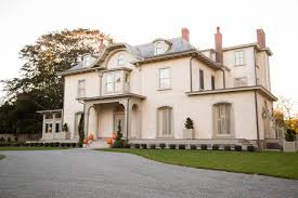 10000 sq ft house newport u0027s new blood wealthy home buyers invest in rhode island wsj