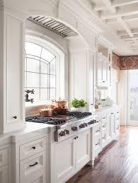 belles cuisines traditionnelles les 8 meilleures images à propos de white kitchen sur