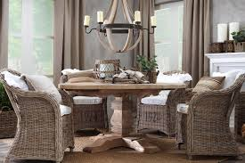 Round Dining Table With Armchairs - Round dining table with wicker chairs