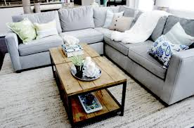 tips to put something at the living room center table designs