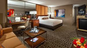 Mgm Signature 2 Bedroom Suite Floor Plan by 2 Bedroom Suites In Las Vegas Jetted Tub The Master Cheapest