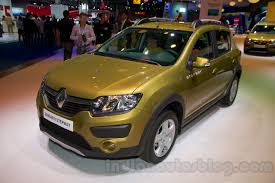 renault sandero 2014 renault sandero stepway front three quarters at moscow motor show