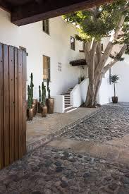 best 25 spanish exterior ideas on pinterest mediterranean patio