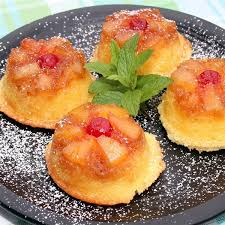 pineapple upside down cupcakes i