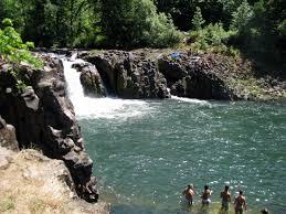 Oregon Wild Swimming images Worry free waterfalls the joyful shoehorn jpg