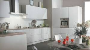 cuisine taupe et bois cuisine taupe et gris sur idee deco inspirations et cuisine taupe et