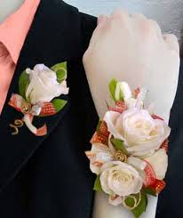 Corsage Wristlets Corsages U0026 Boutonnieres Wrist Corsages Milwaukee Wi Carter Creations