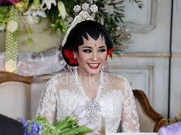 wedding dress nagita slavina foto penilan raffi nagita slavina berbusana adat jawa saat