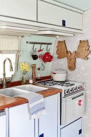 Camper Trailer Kitchen Ideas by Best 25 Vintage Rv Ideas On Pinterest Vintage Campers Trailers