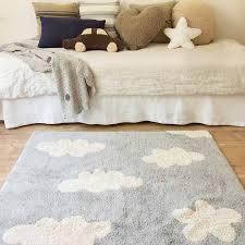 tapis chambre bebe tapis enfant nuages