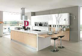 cuisine blanc laqué plan travail bois 10 idées de cuisines aux meubles laqués blancs et bois les cuisine