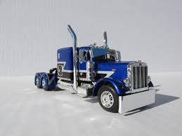 kenworth w900 model nice paint scheme dcp 1 64 scale 379 peterbilt 60 u0027 u0027 bunk blue