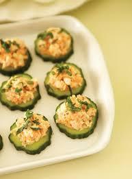recette canapé facile canapés de crevettes sur concombre ricardo