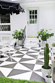 How To Fix Cracks In Concrete Patio by Best 10 Concrete Patio Paint Ideas On Pinterest Painted