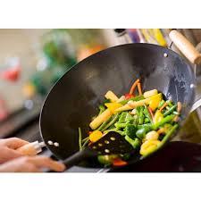 cuisiner dans un wok les légumes du printemps cuisson vapeur en wok ou en salade