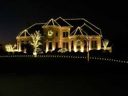 holidays are beautiful thanks to outdoor lighting installers