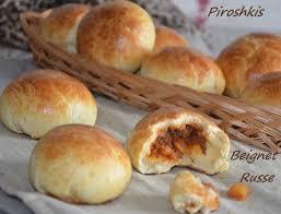 cuisine russe pirojki piroshkis petits pains russes farcis à la viande hachée les