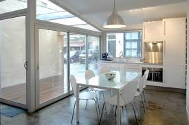 transformer un garage en chambre il transforme un garage en un appartement galerie et vidéo