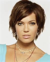 growing out short hair but need a cute style best 25 mandy moore short hair ideas on pinterest mandy moore