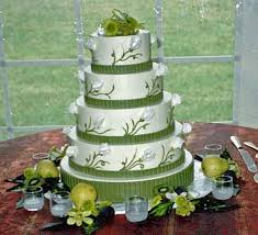 40 adorable green and silver wedding cakes vis wed