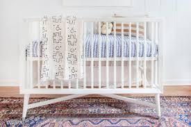 dressing chambre bebe transformez un dressing en chambre de bébé