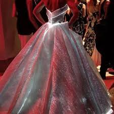zac posen light up gown claire danes light up zac posen dress had to be one of the best