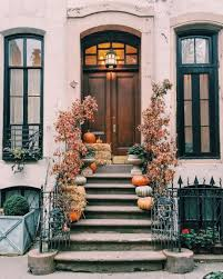 tacky home decor it s september 1 i am decorating for fall elizabeth street post