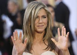 Jennifer Aniston Wedding Ring by Jennifer Aniston Wears Boho Inspired Dress For Wedding