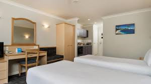 freehold suite with carpark amora apartments 100 greys ave