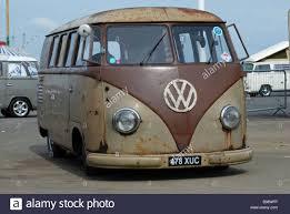 volkswagen santa split screen vw van with lowered suspension at santa pod racetrack