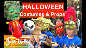 Halloween Costumes And Props Drake Tries On Halloween Costumes Irl Plus Decorations And Props