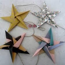 origami chambre bébé guirlande étoiles en origami pour décoration murale chambre bébé