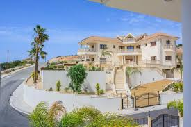 for sale huge luxury 5 bedroom villa very close to the sea eur