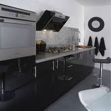 cuisine noir laqué pas cher meuble de cuisine noir delinia leroy merlin conforama brillant
