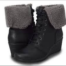 ugg zea sale 49 ugg shoes nib ugg zea leather uptown wedge boots from