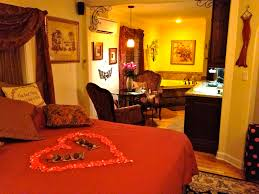 Romantic Bedroom Ideas With Rose Petals Romantic Bedrooms With Candles And Roses