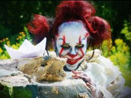 Clown Costumes Pennywise Clown Costumes Poised To Be Top Halloween Costume Trend