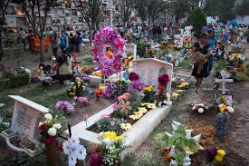 halloween in mexico file day of the dead at mexican cemetery 4 jpg wikimedia commons