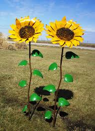 67 recycled metal sunflower stake yard decor
