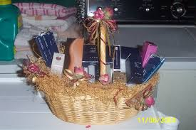 makeup gift baskets s avon baskets