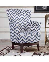 Blue And White Accent Chair Don T Miss This Bargain Swivel Accent Chair With Blue And White