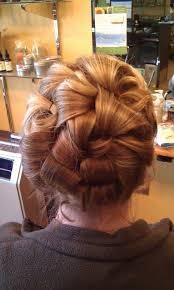 14 prom hairstyles for long that are simply adorable