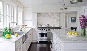 can you white cabinets with espresso hardwood floors